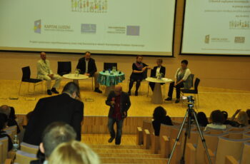 Konferencja Człowiek najlepsza inwestycja - dyskusja panelowa.