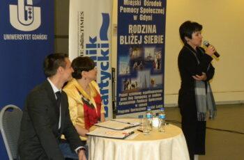 Konferencja Pomorskie ogrody sukscesu - wsytąpienie Mirosławy Jezior, dyrektor MOPS w Gdyni