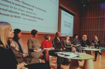 Konferencja Wyjście z cienia - debata panelowa,