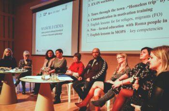 Konferencja Wyjście z cienia - debata panelowa.