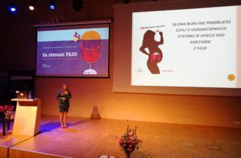 Konferencja Za sterami FASD (2019), wykład dr n. med. Agaty Cichoń-Chojnackiej, kierownik Gdyńskiego Centrum Diagnozy i Terapii FASD