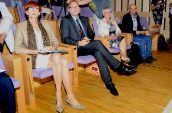 Od lewej Elżbieta Rafalska, minister rodziny, pracy i polityki społecznej, Michał Guć, wiceprezydent Gdyni ds. innowacji, Mirosława Jezior, dyrektor MOPS w Gdyni, Franciszek Bronk, z-ca dyrektora