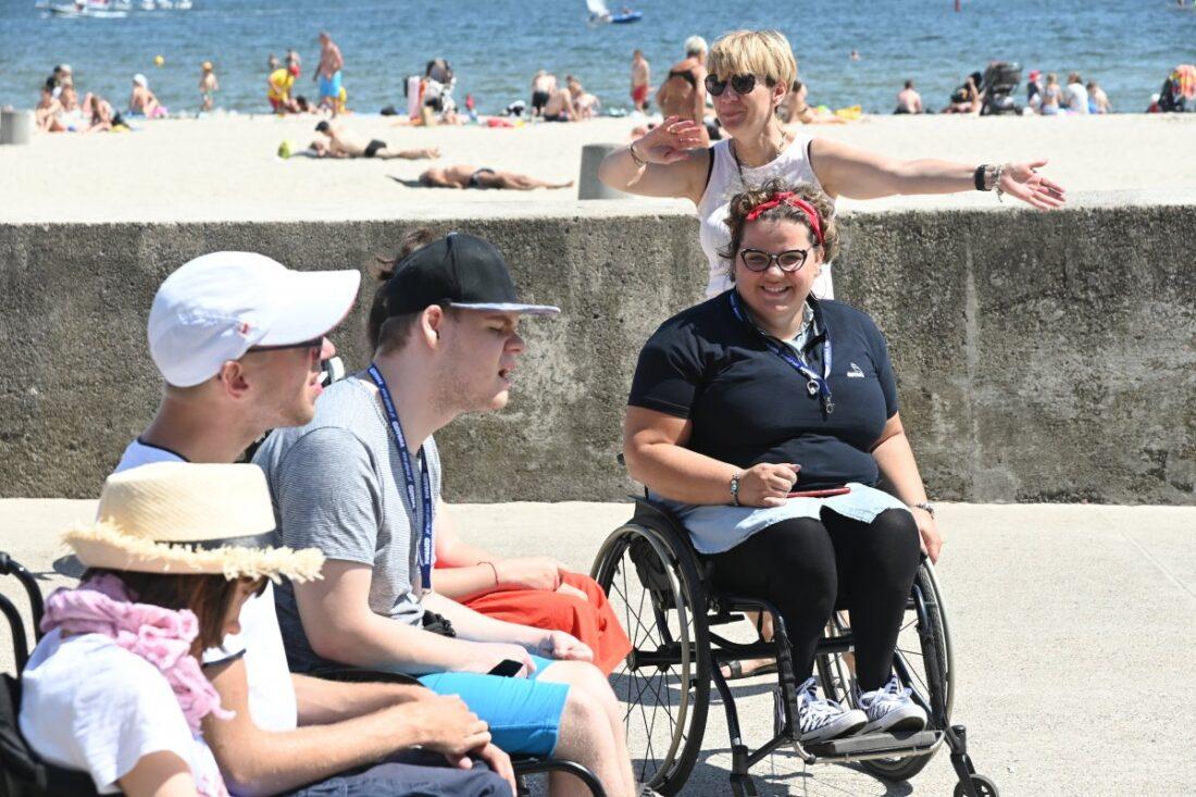 Zdjęcie: Gdyńskie plaże są dostępne dla wszystkich, także osób o różnym stopniu czy rodzaju niepełnosprawności